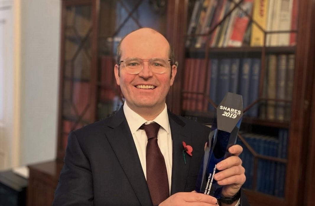 Best_Investment_Trust_Award_Alasdair_McKinnon_1